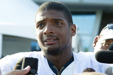 Michael Sam joins Cowboys' practice squad after being dropped by Rams