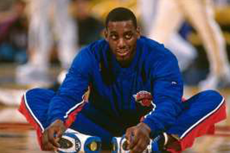 Anthony Mason fighting for his life after heart attack