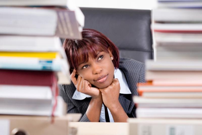 Clean desk, clean finances: 5 steps to streamline your money management