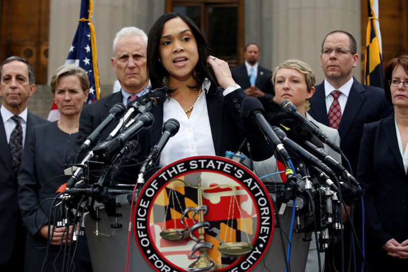 Prosecutor: Gray's death a homicide; 6 Baltimore officers charged
