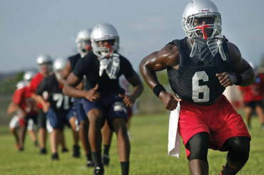 Ultimate Stomping Ground offers high school football combine
