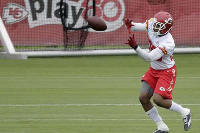 Chiefs safety Eric Berry back at practice after cancer fight