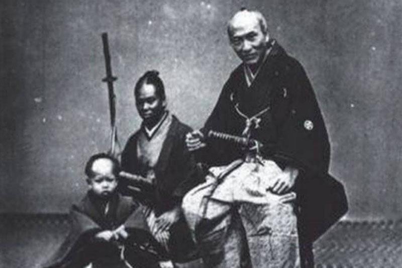black samurai. Black Bedroom Furniture Sets. Home Design Ideas