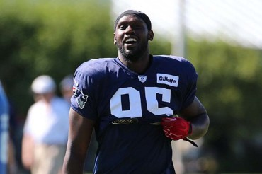 Patriots' Chandler Jones apologizes for turning up at police station half-naked