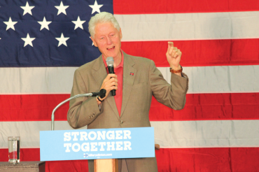 Hundreds turn out for Bill Clinton