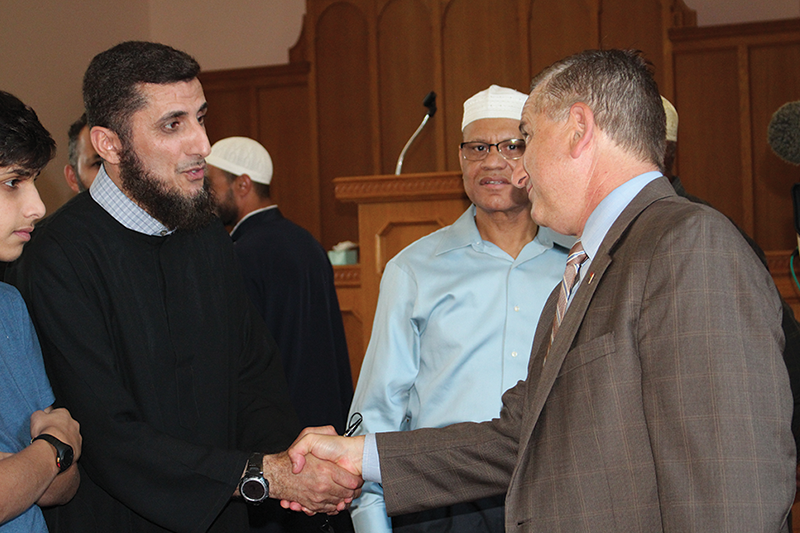 Kriseman address issues in the Muslim community