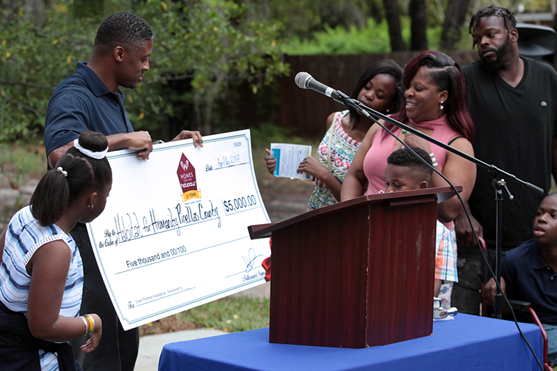 Warrick Dunn charities addresses affordable housing with 155th recipient