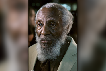 Groundbreaking comedian and civil rights activist Dick Gregory dies at 84