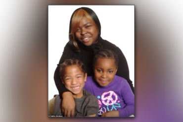 10-year-old boy witnesses mother's murder after she opened door, shot at point blank range