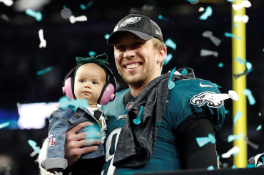 Philadelphia stuns Tom Brady's Patriots 41 – 33 in one of the greatest Super Bowls of all time