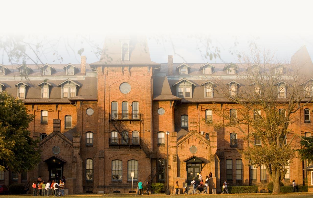 Hampton University (1868)