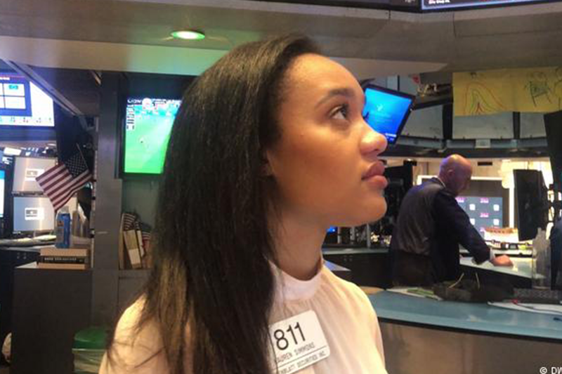NYSE Lauren Simmons Black Woman Trader, money