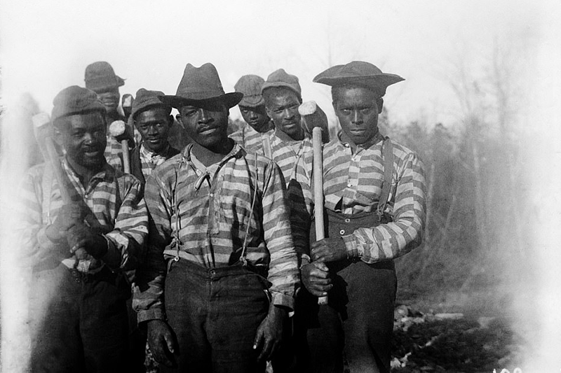 history-20th-century-south-chain-gang.png