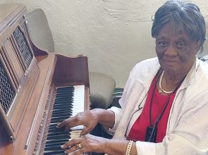 Congregation honors oldest living member for Black History Month